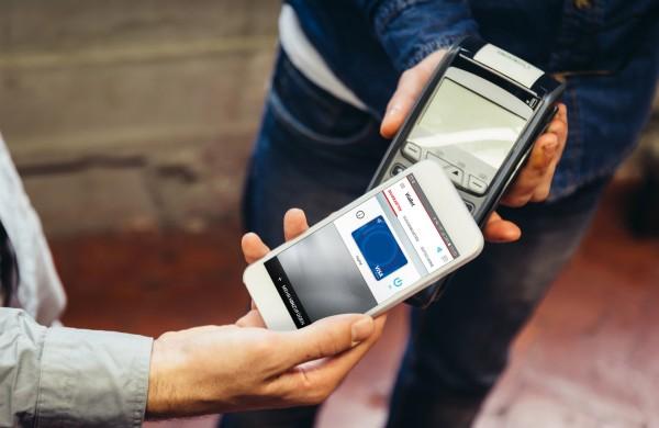 vodafone bezahlen per paypal und visa kreditkarte mit smartphone. Black Bedroom Furniture Sets. Home Design Ideas